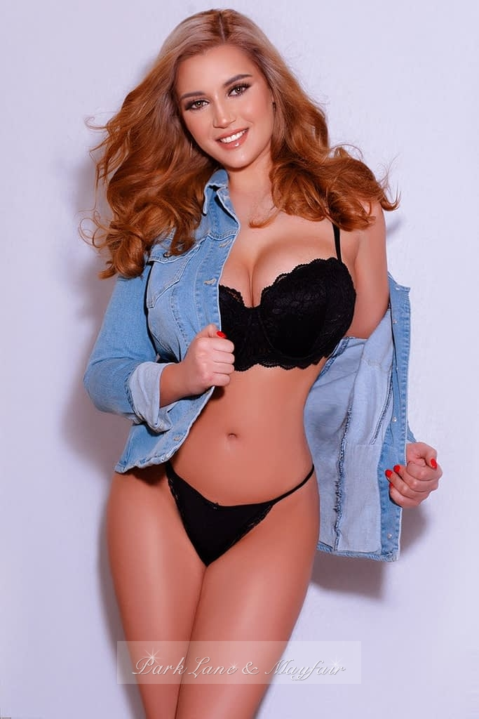 Avelina in her black lingerie and jacket