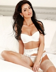 Adelyn sitting on the bed - Turkish escort in Notting Hill, Bayswater, Central London