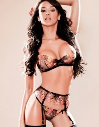 Brazilian escort Becky in her sexy lace underwear - Brazilian escort in Earls Court, Kensington, Heathrow