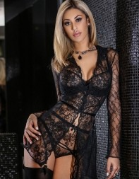 Model Berenice looking sultry in her sexy black lace linger set